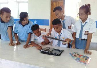 Axioo Mengajar Di Tanah Perbatasan Nusa Tenggara Timur