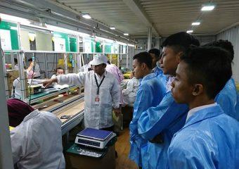 SMK Pertiwi Kuningan melakukan kunjungan di Axioo Factory Cakung